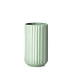 3025-lyngby-vasen-25-cm-mat-groen-porcelaen-500x500