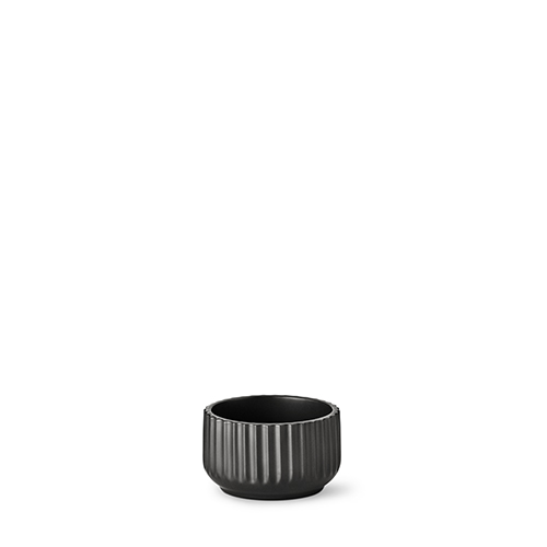 20110-lyngby-skaalen-11-cm-mat-sort-porcelaen-500x500