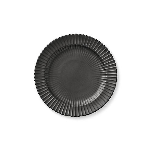 220-lyngby-tallerken-20-cm-mat-sort-porcelaen-500x500