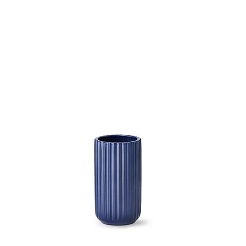 5015-lyngby-vasen-15-cm-mat-blaa-porcelaen-500x500