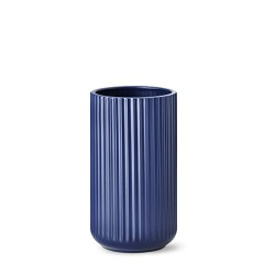 5025-lyngby-vasen-25-cm-mat-blaa-porcelaen-500x500