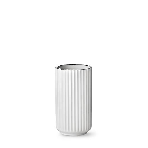 7020-lyngby-vasen-20-cm-hvid-soelvkant-porcelaen-500x500