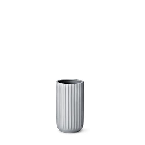 4015-lyngby-vasen-15-cm-mat-graa-porcelaen-500x500