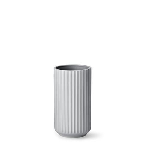 4020-lyngby-vasen-20-cm-mat-graa-porcelaen-500x500