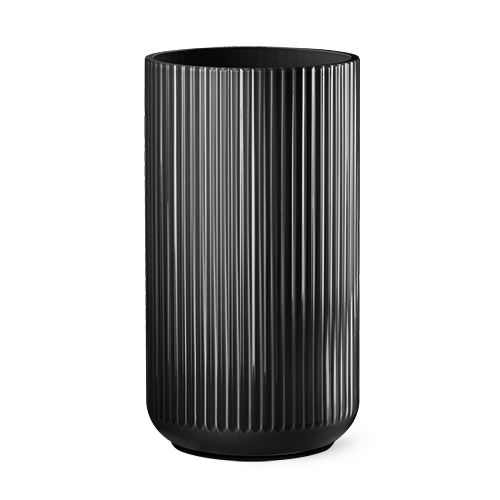 9535-lyngby-vasen-35-cm-sort-glas-500x500
