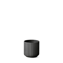 200115-lyngby-urtepotte-11,5-cm-mat-sort-porcelaen-500x500