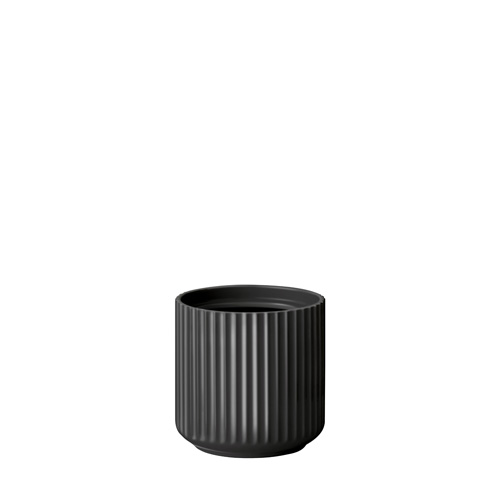 200140-lyngby-urtepotte-14-cm-mat-sort-porcelaen-500x500